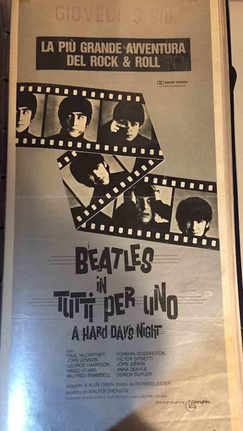 Locandina Beatles in Tutti per Uno